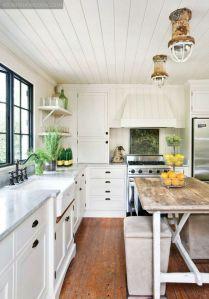 White Farmhouse Kitchen Ideas 17