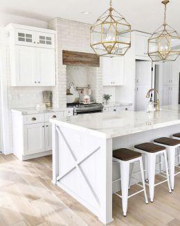 White Farmhouse Kitchen Ideas 8