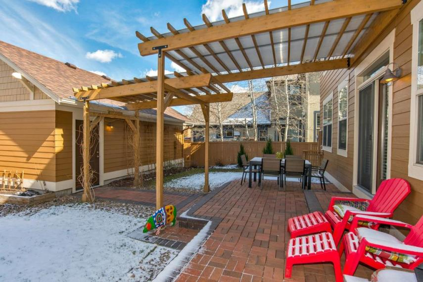 Covered Pergola Designs for Best Shade Ideas (Consumer Guide) on Covered Pergola Ideas  id=22458