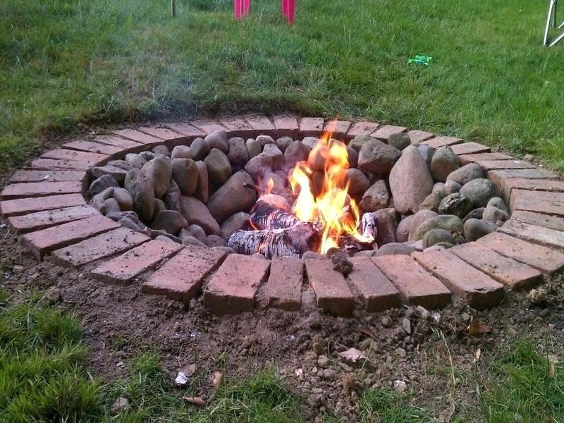 Top 40 DIY Fire Pit Ideas - Stacked, Inground and Above ... on Diy Outdoor Fire  id=61885