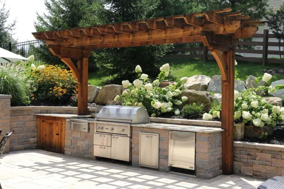 40 Outdoor Kitchen Pergola Ideas for Covered Backyard Designs on Backyard Patio Grill Island id=54143