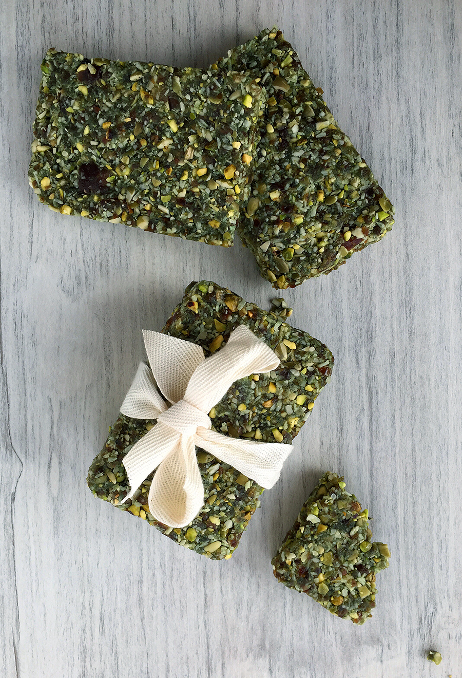 Raw Hemp Algae Bars (grain/dairy/sugar free, paleo, vegan) | Fresh Planet Flavor