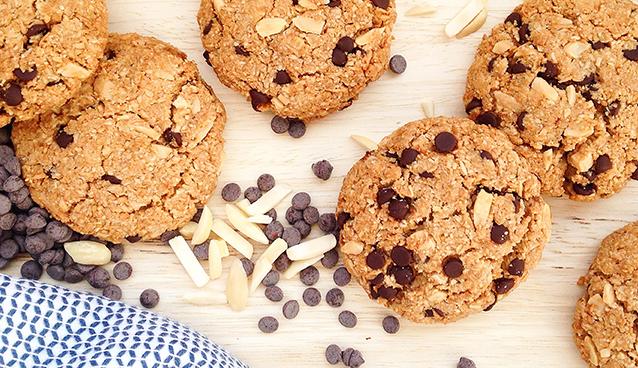 Gluten Free Chocolate Chip Cookies (vegan, paleo) | GrokGrub.com