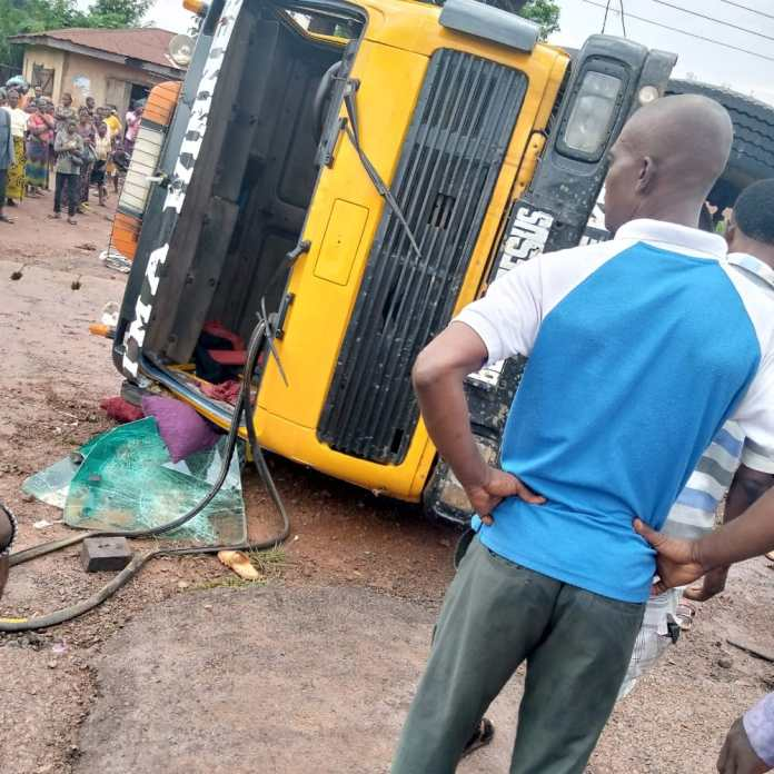 Trailer Crush Pregnant Woman And Her Kid To Death In Ebony (Photos)