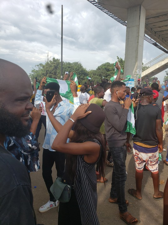 (Photos): Over 3000 Joins #EndSARS Protest In Nsukka