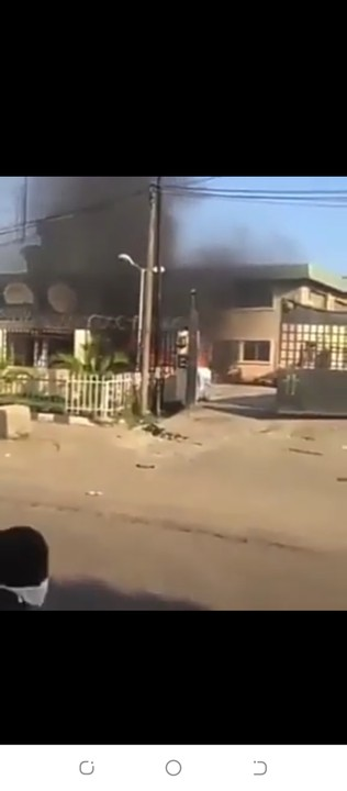 [Video] Tinubu's The Nation Newspaper Headquarters In Lagos On Fire By Angry Youths
