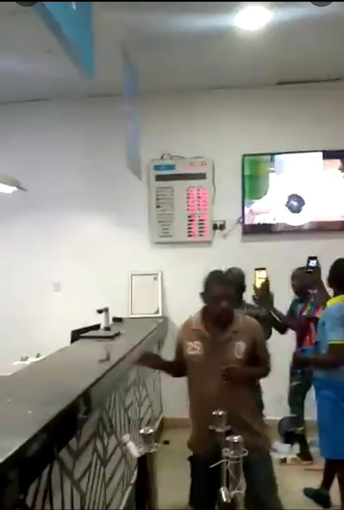 One Dead As Robbers Attack A Bank In   Ondo State, Cart Away With Millions (Video)
