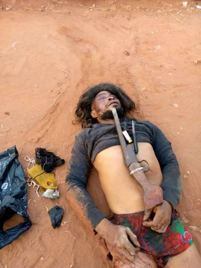 1 Armed Robber Killed, Other Arrested After A Gun Battle With Security Operatives (Photos)