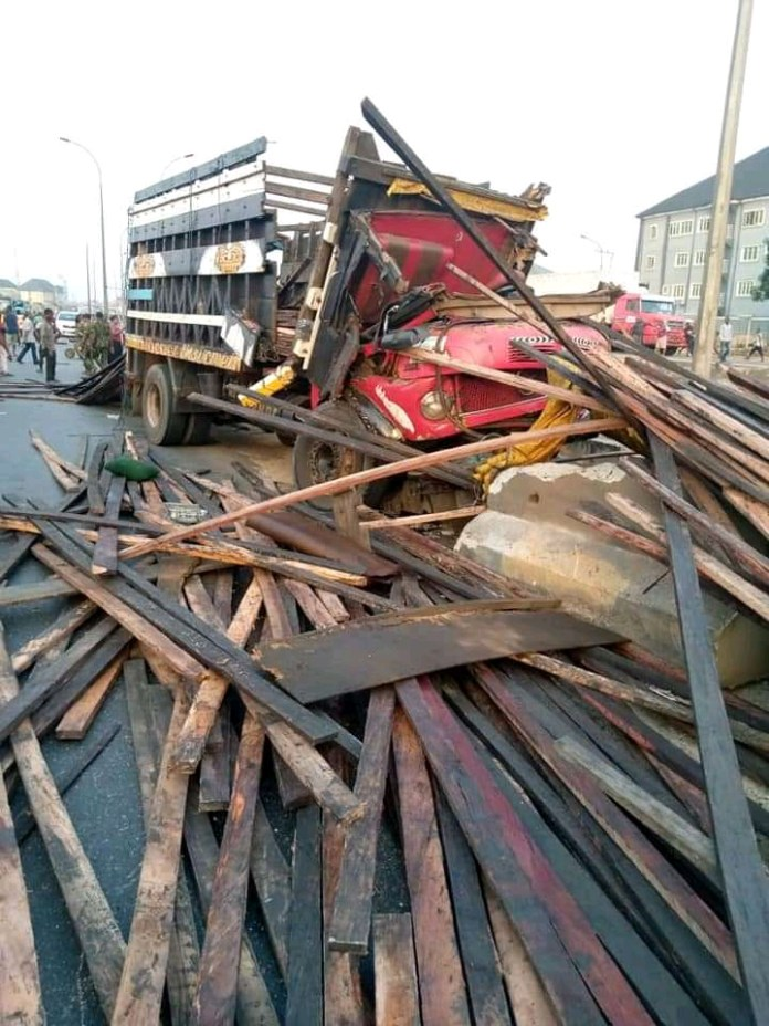 Revenue Collectors Pursue Lorry Driver To Death In Anambra (Photos)