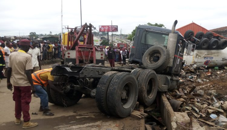 10 Persons K!lled, Others Injured As Gas Tanker Ram Into A Market In Ibadan (Photos)