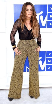 NEW YORK, NY - AUGUST 28: Recording artist JoJo attends the 2016 MTV Video Music Awards at Madison Square Garden on August 28, 2016 in New York City. (Photo by Dimitrios Kambouris/WireImage)