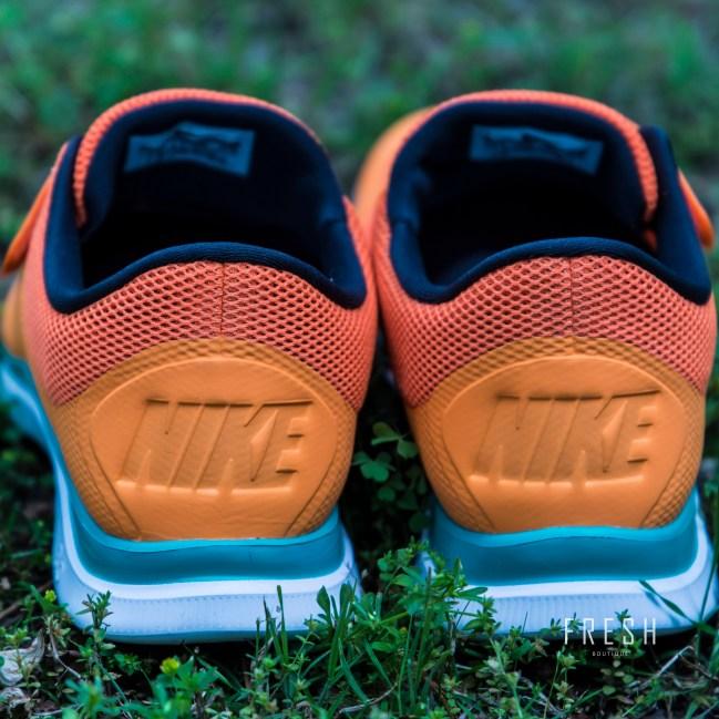 Nike-Free-Socfly-2