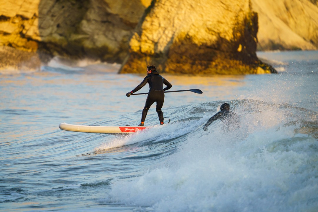 SUP surfing a hard board vs an inflatable - the main differences.