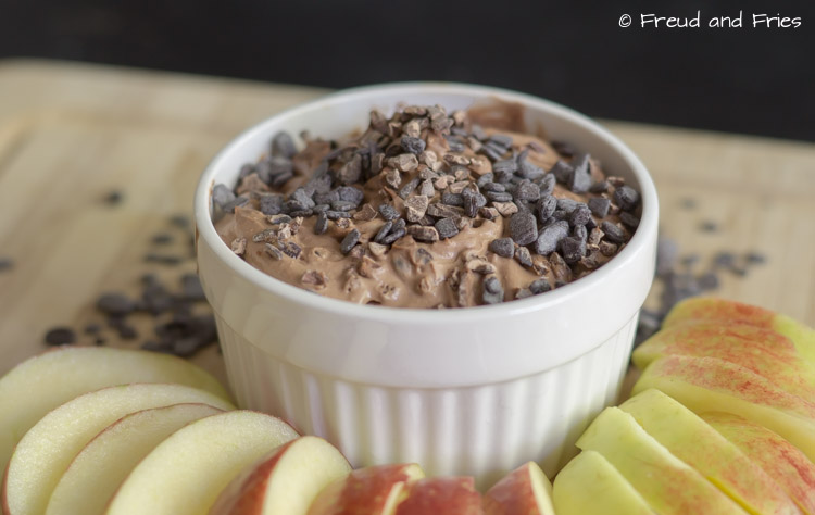 Healthy chocolade cream cheese dip | Freud and Fries