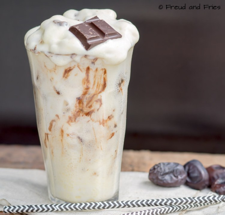 Mango protein fluff met chocolade-dadel swirl | Freud and Fries
