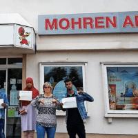 """Wo leben wir eigentlich – """"Flüchtlingsinitiative"""" fordert die Umbenennung der """"Mohren-Apotheke""""!"""