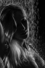 Foto: Wolfgang Fricke   Model: Miriam   aus einem Shooting mit dem neuen Wasserbecken & Dusche