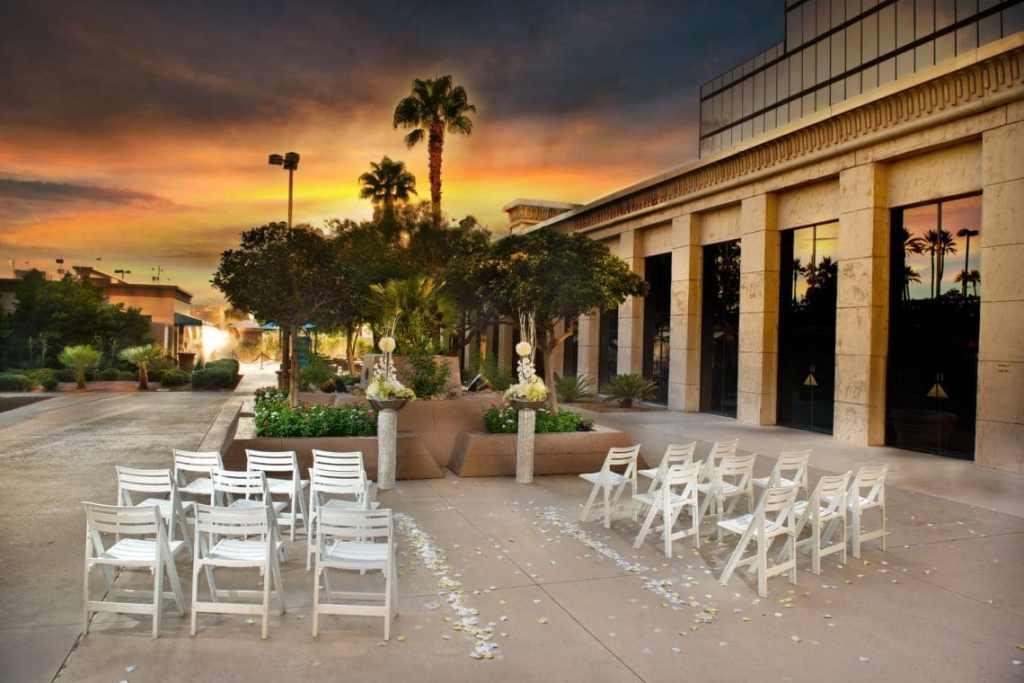 Vow Renewal Las Vegas Nevada/20 Romantic Las Vegas Date Ideas