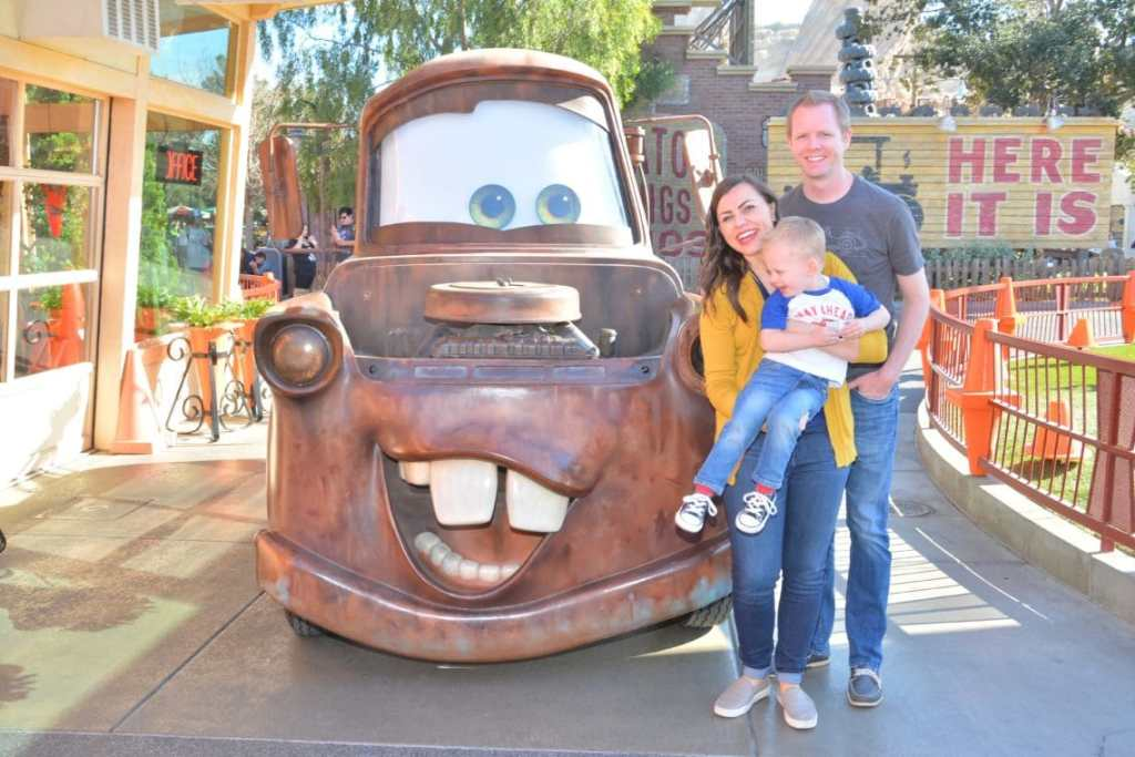 20 Best Disneyland picture ideas and locations for your next trip