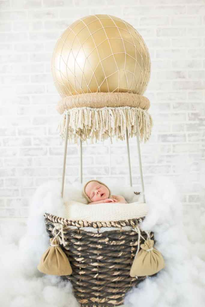 Creative Newborn Picture Ideas