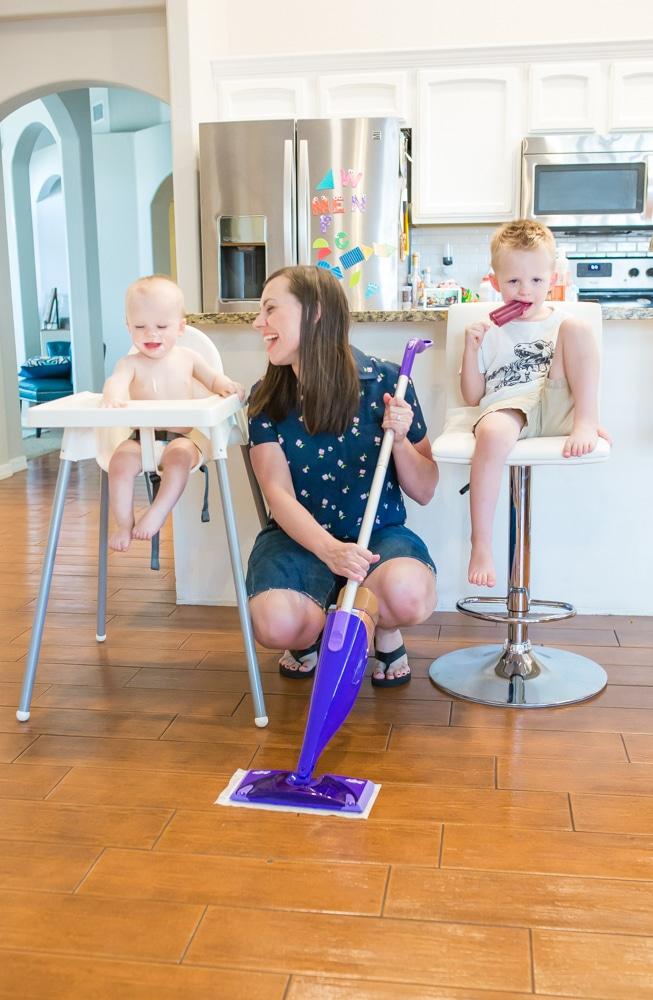 Messy kids: clean up