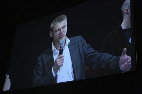 Henrik Pontén på huvudscenen på Dreamhack