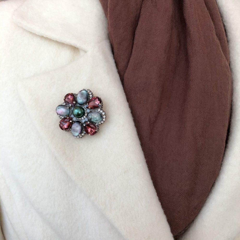 купить брошь брошка брошь на пальто стразы сваровски swarovski жемчуг украшения аксессуары вышивка винтажная брошь класссика