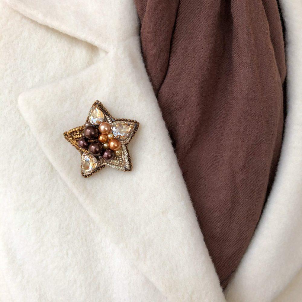 купить брошь брошка брошь на пальто стразы сваровски swarovski жемчуг украшения аксессуары вышивка звезда звездочка
