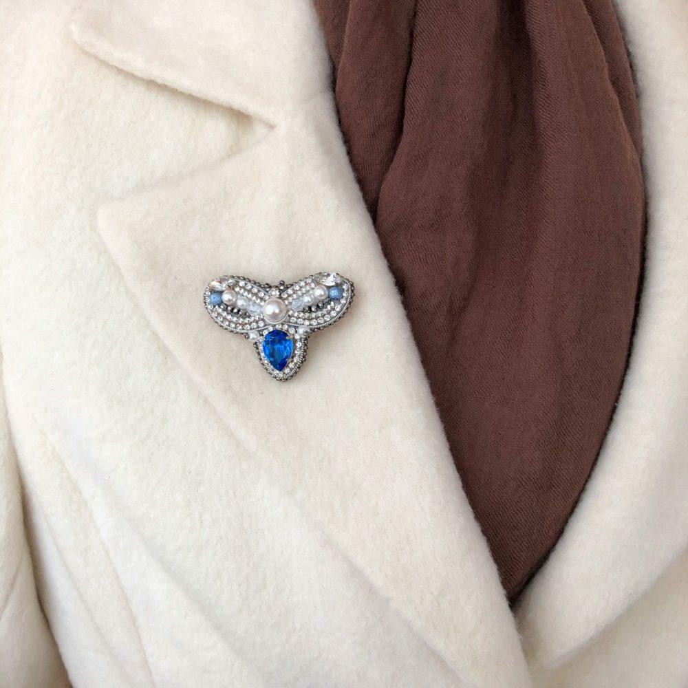 купить брошь брошка брошь на пальто стразы сваровски swarovski жемчуг украшения аксессуары вышивка бабочка жук