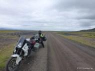 Schnurgerade Piste der 917 in Richtung Hellisheiði
