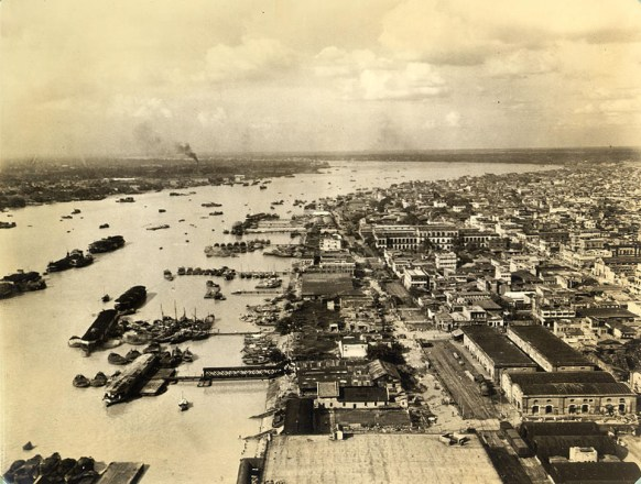 Hooghly river and part of Calcutta's east bank. but for this [giant] stream Calcutta would likely never have been built---and for that matter, many of us [would] just as soon it hadn't. Nevertheless the river affords many spectacles and has accomodated millions of tons of supplies necessary to the war effort.
