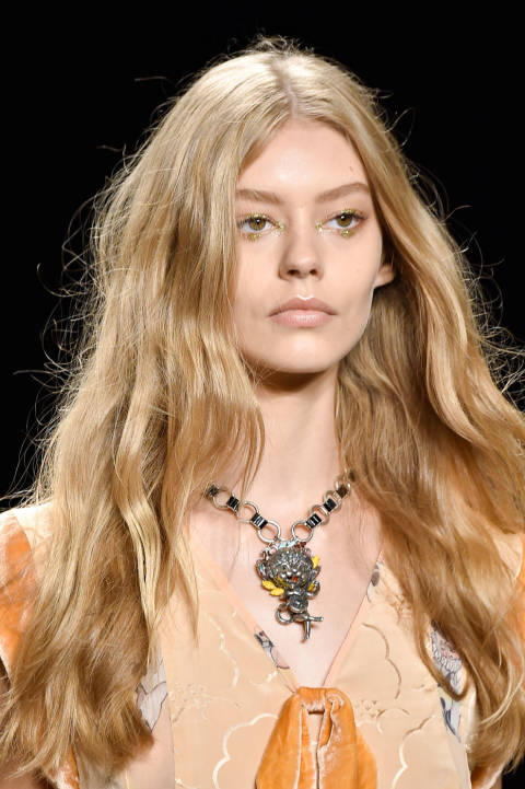 anna-sui-ss15metallic play