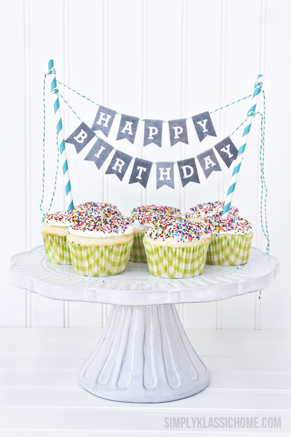 chalkboard printable alphabet bunting with cupcakes