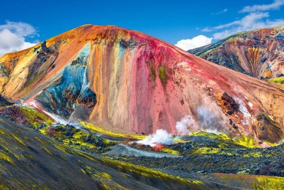 Landmannalaugar -Stunning mountains - friend in iceland