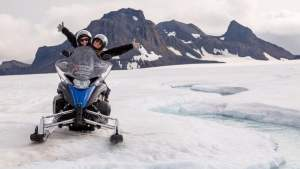 One hour snowmobile tour friend in iceland