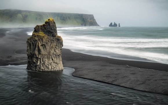 2 days, ice cave and south coast - Reynisfjara - friend in iceland