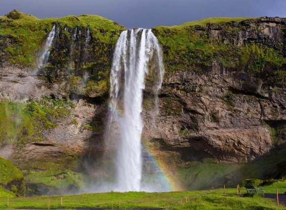 2 days, ice cave and south coast - Seljalandsfoss waterfall - friend in iceland