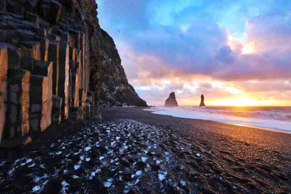 3 days, South Coast, Golden Circle & Northern Lights - Black Beach - friend in iceland