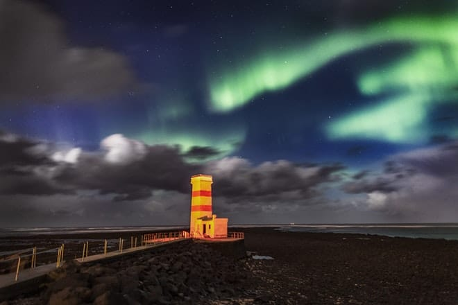 Northern lights deluxe friend in iceland