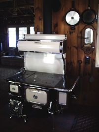 Heartland Wood Cookstove (Heartland Oval Wood Cookstove)
