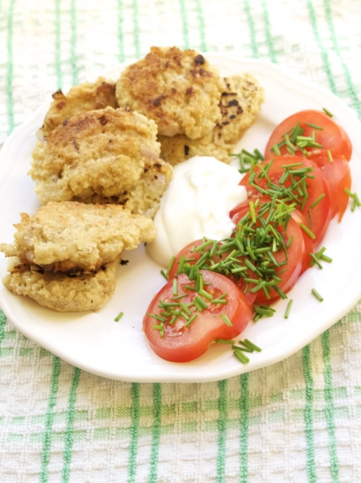Savoury oat fritters: a marriage  between porridge and fry-up breakfast!