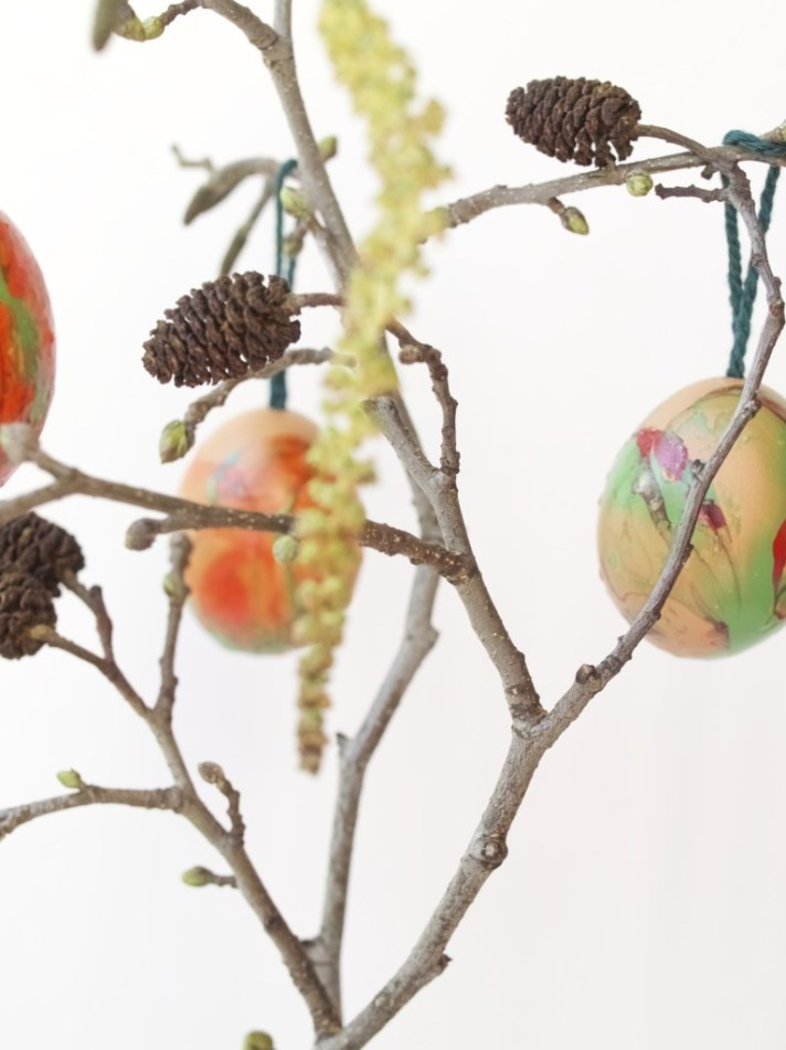 Hanging marbled egg decorations