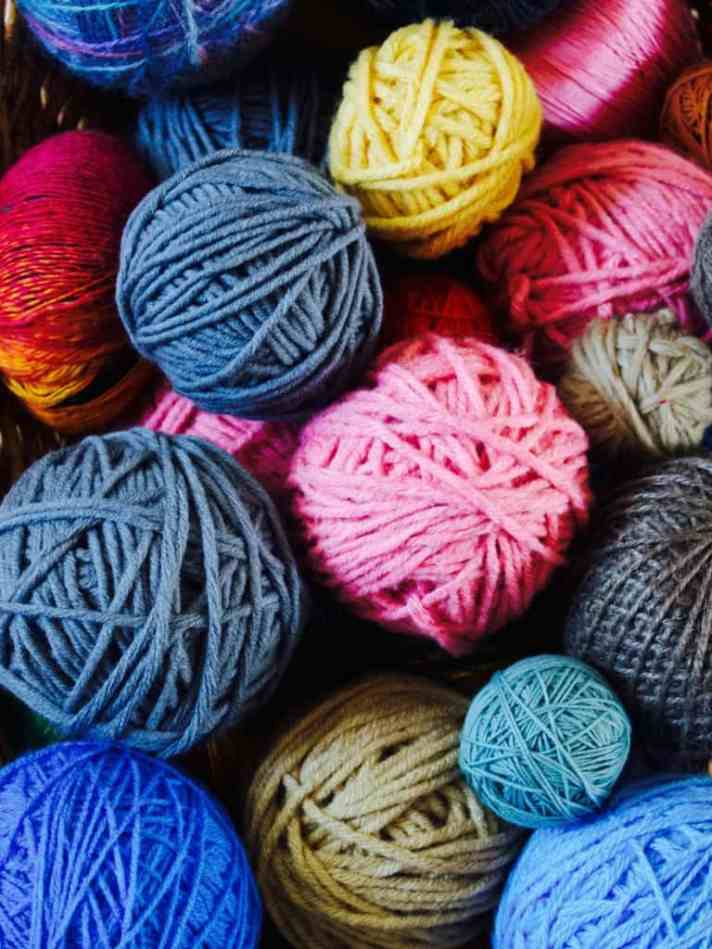 How to use up yarn scraps: projects and tips