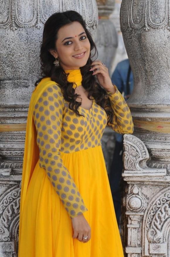 Nisha Agarwal (2)