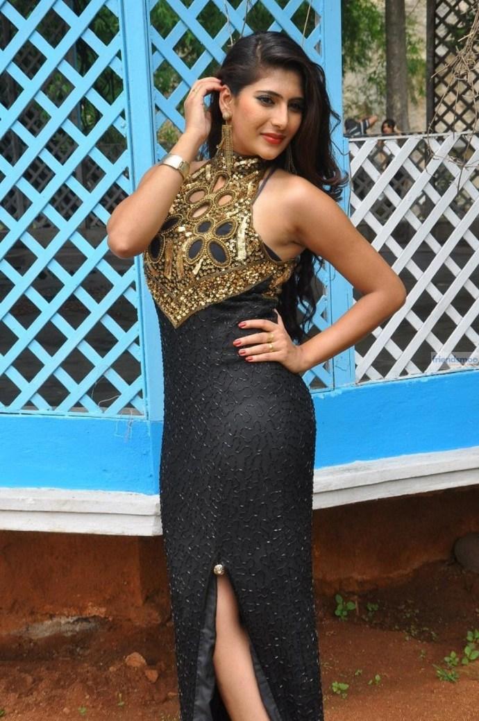 Neha-Saxena (3)