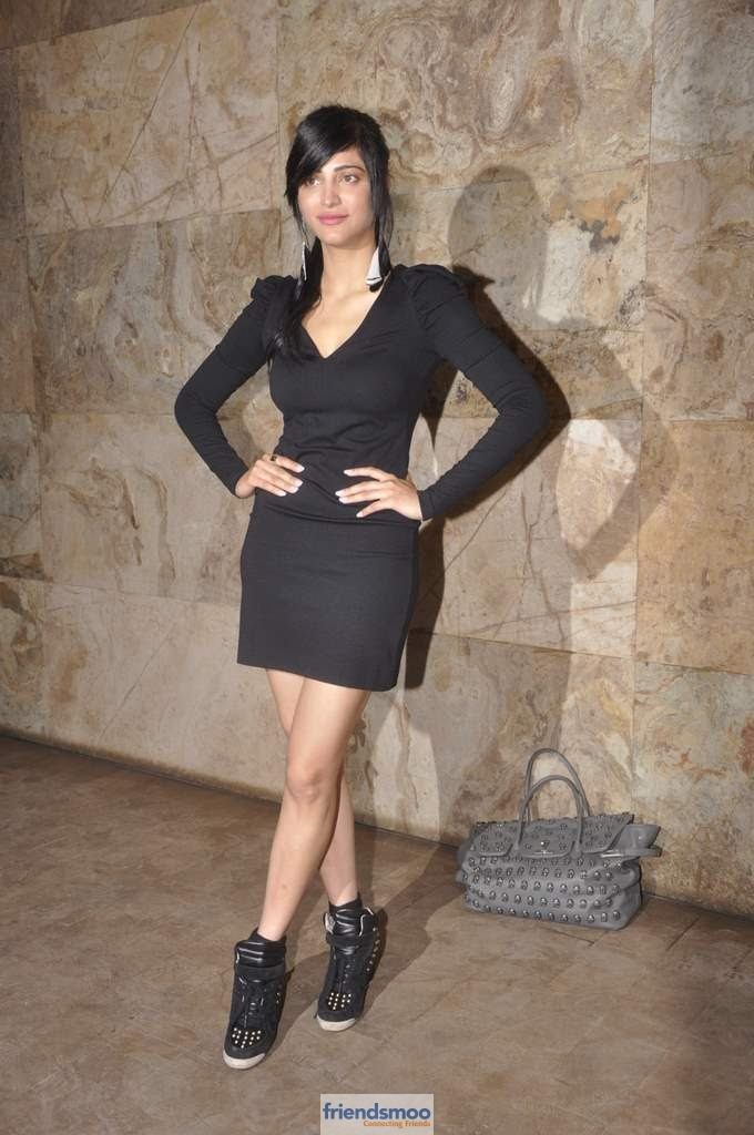 Shruthi Hassan Latest Photos At D Day Premier Show-Friendsmoo