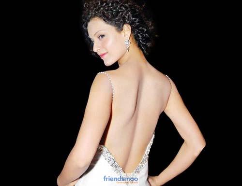 kangana-backless-dress