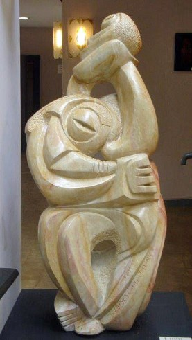 """""""Paragon Couple"""" carved by pioneer artist John Odochamey"""