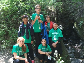 Junior explorers hike group picture