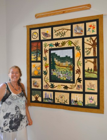 Lynne Fritz with Quilt